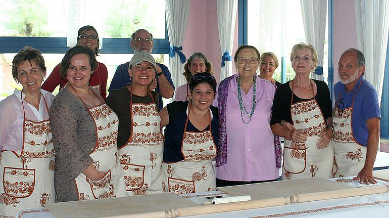 Bloggers, plus Bernardett and Nonna Violante. Photo courtesy Chris Faron
