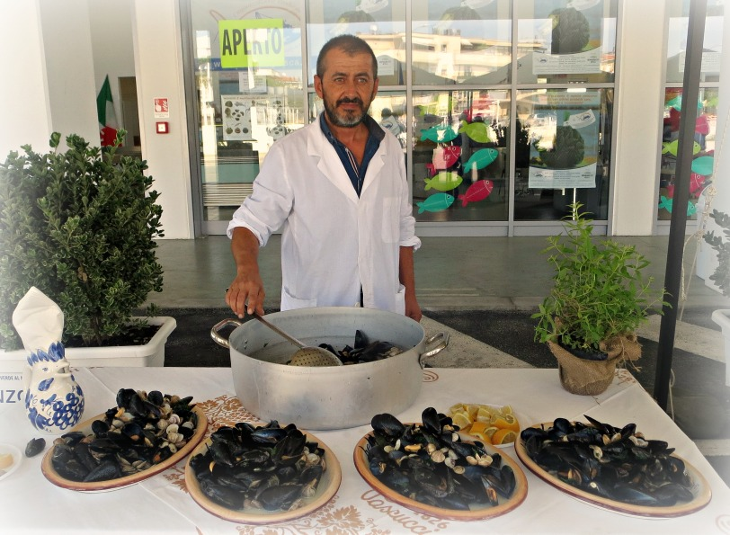 Fish Mussels (1)