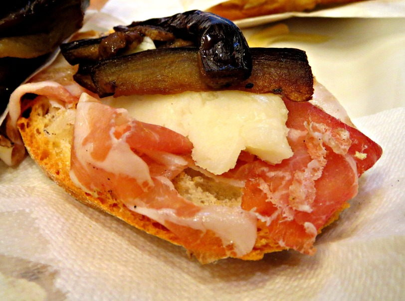 Cicchetti with Speck, Asiago cheese and melanzane