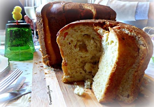 Pizza di Pasqua - cheesy bread.