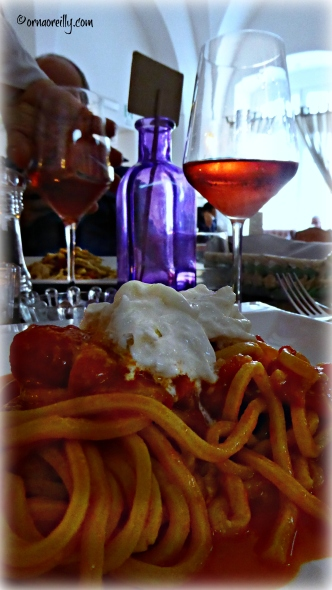 Spaghetti with burratina and rosato