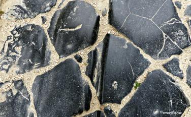 Chariot tracks beneath Arco dei Gavi