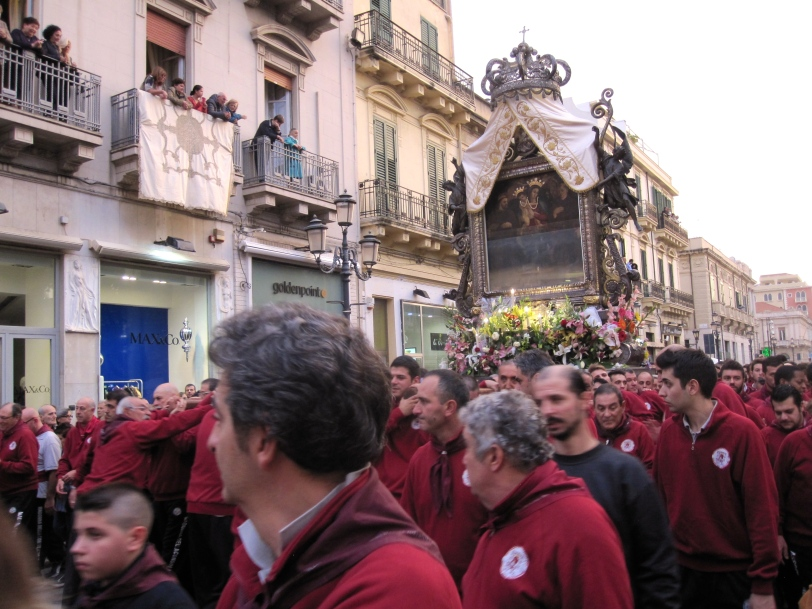 procession-of-the-madonna-in-reggio