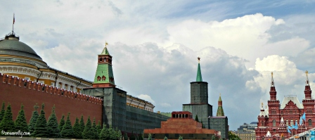 Kremlin with Tomb of Lenin in foreground