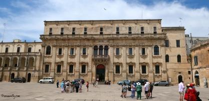 Seminary. Piazza del Duomo